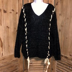 Oversized sweater from Lizard Thicket. Size small.